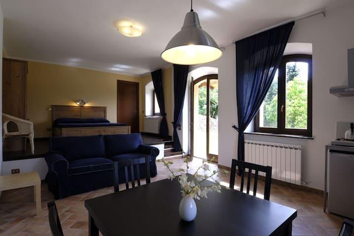 Appartamento sul Lago di Polverina - Pievebovigliana - Loft