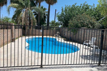 Apartment studio near Old Downtown Yuma, pool.