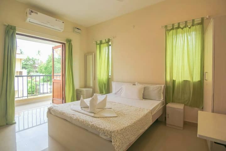 Fully loaded # 2 Bedroom Apartment #POOL # BAGA.