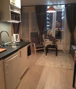Уютная студия в Приморском районе - Sankt-Peterburg - 公寓