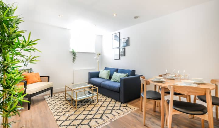New Georgian Apartment in Chester City Centre
