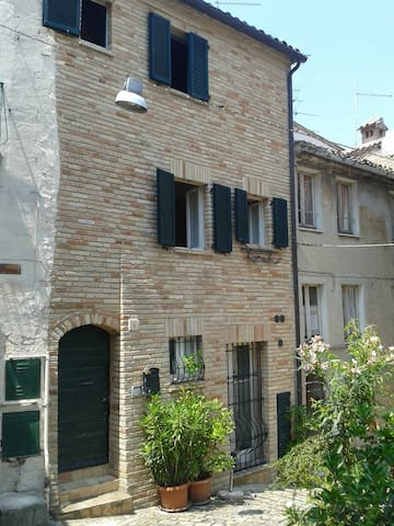 La Casina in the Alley - Recanati - House