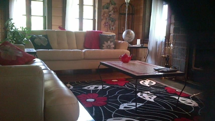 Belle maison à louer pour 4 a 6mois - Sainte-Brigitte-de-Laval