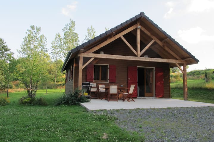 Beautiful chalet near woods & pond - Concèze - Dağ Evi