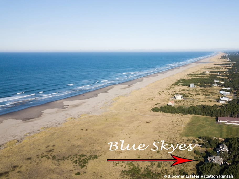 Blue Skyes is located in an small upscale community of Beach Wood Estates, and is just steps to the beach on your own private trail.