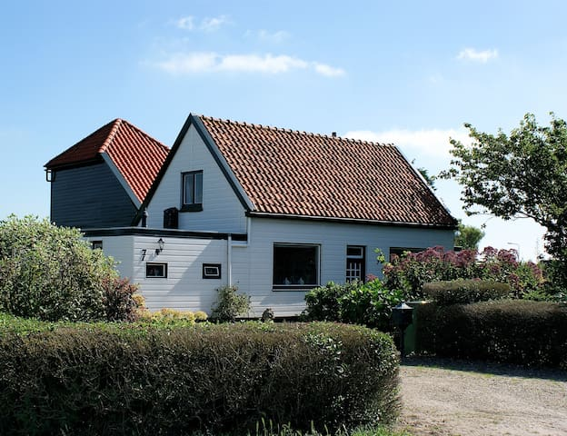 Ica's cosy B&B/WiFi/pool&sea - Castricum - Appartement