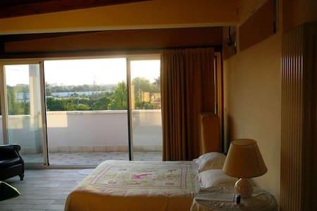 Camera Matrimoniale, Elegante Suite - Bolonya - Bed & Breakfast