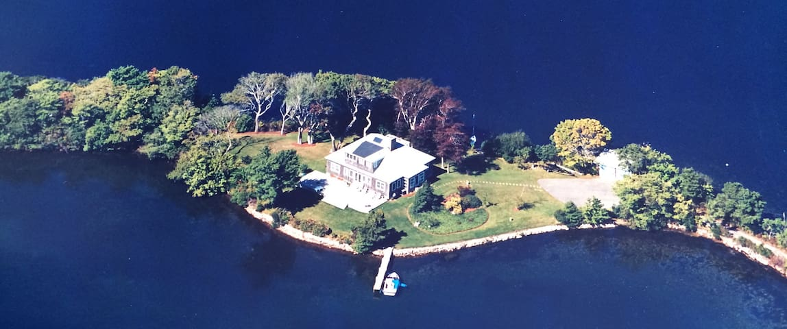 Lake House on Private Peninsula - Barnstable - Haus
