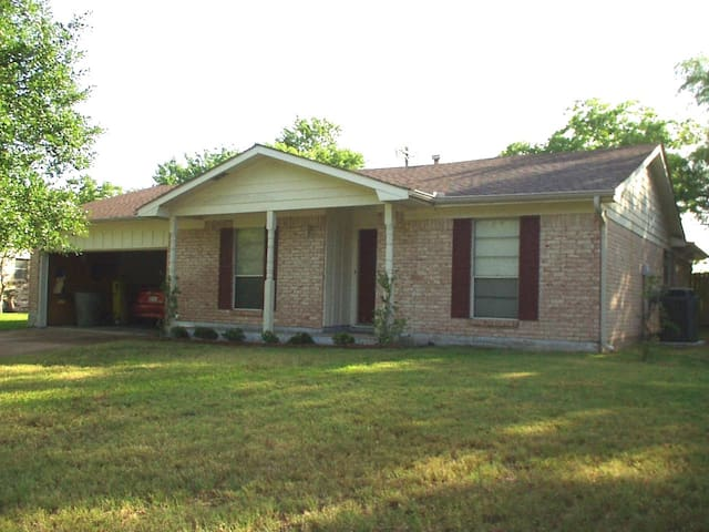 bryan bungalow close to kyle field houses for rent in bryan texas
