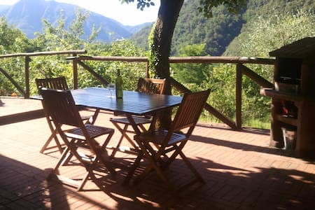 Tuscan Farmhouse -Spectacular Views - Borgo a Mozzano - Dům