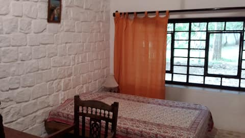 ISAI AMBALAM guest house - 1Side Single