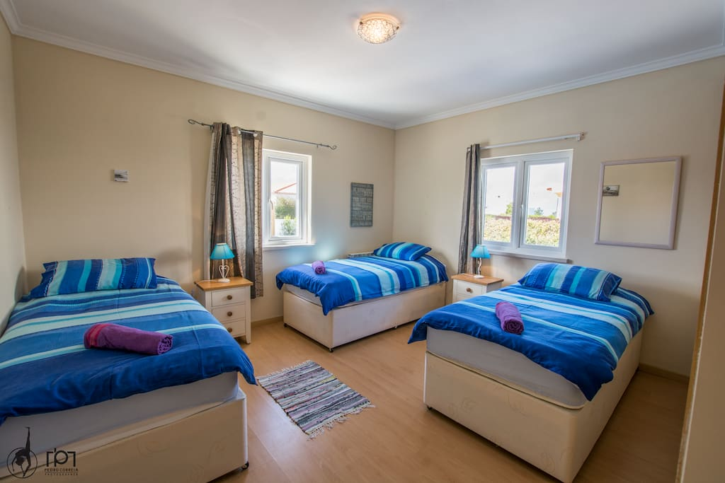 Triple room, can also become a King size bed bedroom.