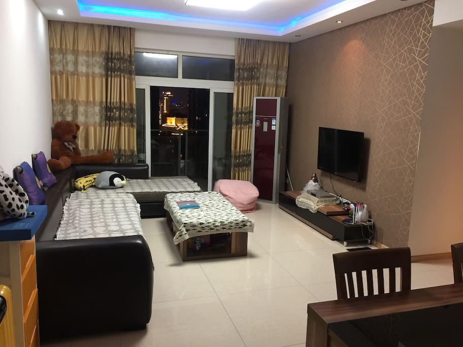 宽敞的客厅