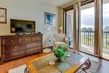 Peaceful corner studio w/views of pool & Santa Rosa Sound! Snowbirds welcome!