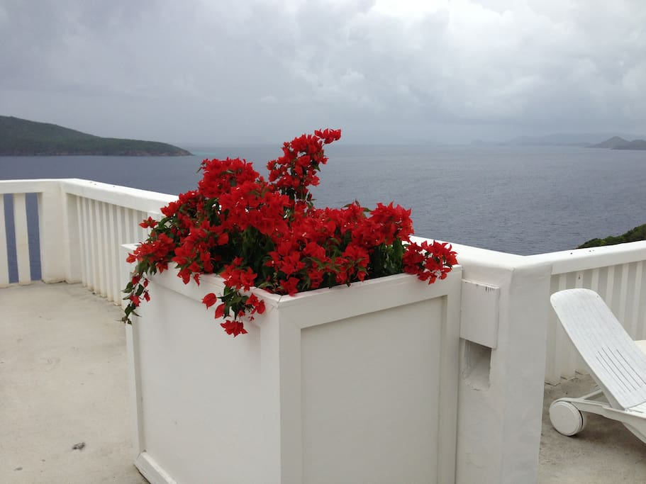 OBSERVATION DECK VIEWS OF GREAT HAN LOLLIK AND BVI