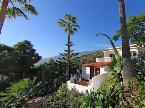 Casa Sibylle with balcony and sea view