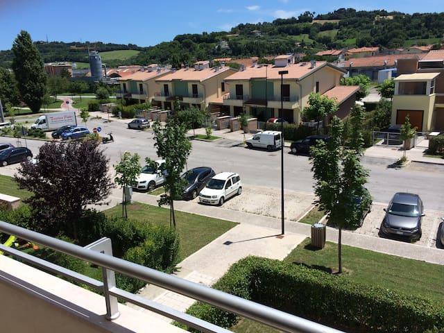 Stanza singola in appartamento. - Pesaro - Pis