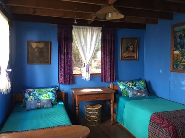 Angourie Lethargy Lodge beach house Blue Room
