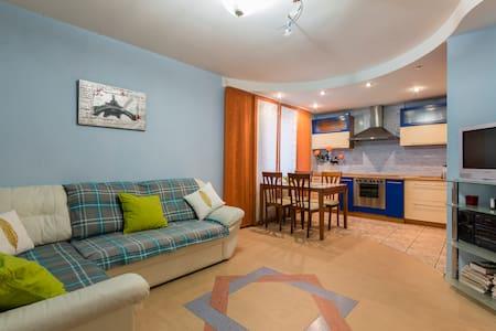 Уютные апартаменты   54 м. кв. - Санкт-Петербург - Wohnung