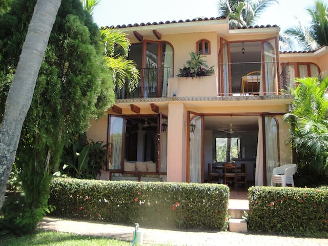 Beautiful 2BD in Ixtapa golf course - Zihuatanejo - House
