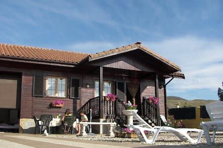 Casa de Madera con Piscina  - Torremocha De Jarama - Haus