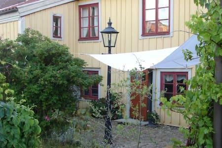 One Room . Bed & Breakfast ,Skänninge - Mjölby V - Bed & Breakfast