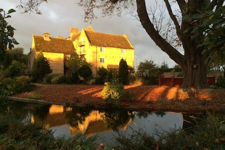 Tranquil Waterside Escape - The Granary - West Deeping - 獨棟