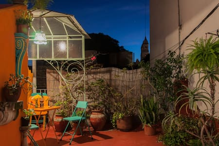 Quirky 1-Bdrm w/ Colorful Terrace - Buenos Aires