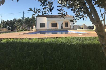 "Casa Chalet ""La Pageseta"""