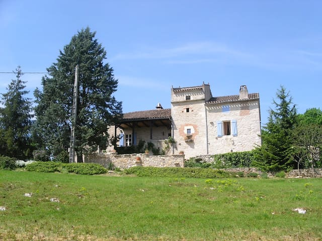 A 10 mn de St-Cirq-Lapopie Chambre d'hôtes - Saint-Géry - Flat