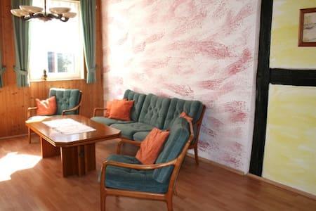 65 qm Ferienwohnung in Halberstadt - Halberstadt - Hus
