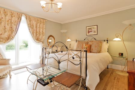 Rural B&B with Private Garden Truro - Chacewater