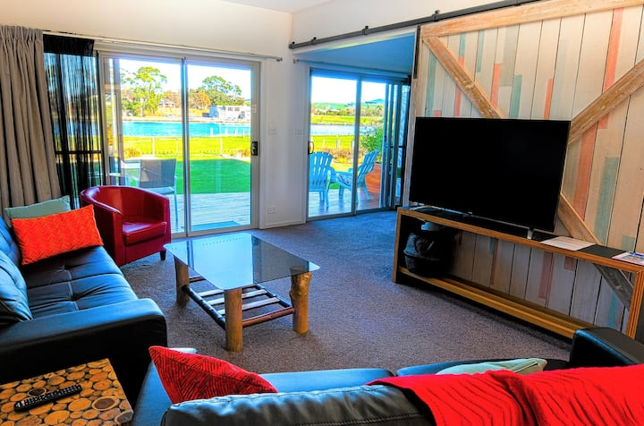 Ulverstone River Edge Holiday Apartments No 2