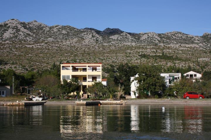 APARTMANI JURLINA - 1 - Seline - Casa