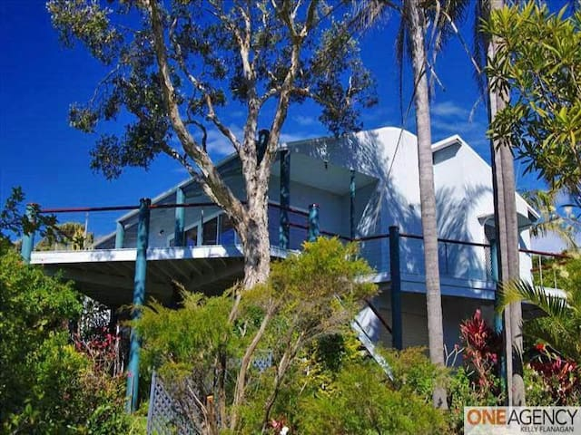 Large Beach House: Panoramic Views  - Crescent Head - Casa
