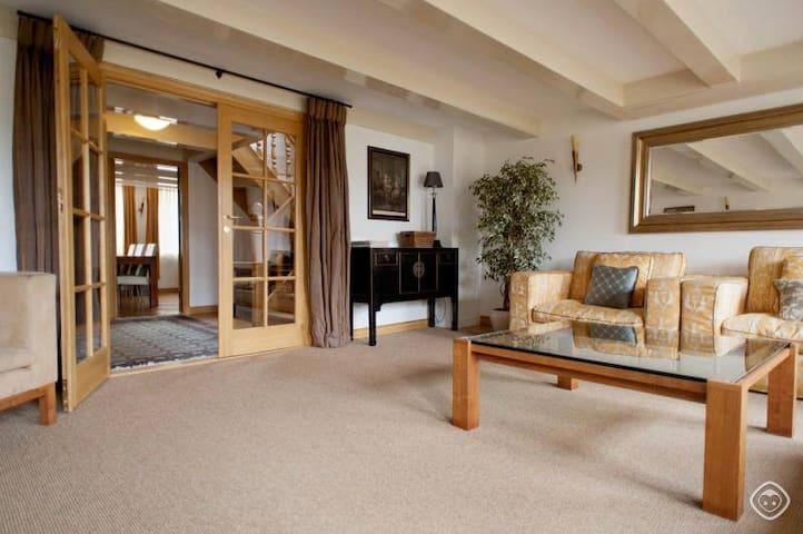 Luxury apartment. Prime location