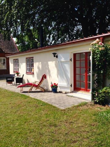 Mysigt gårdshus på Österlen - Tomelilla - Appartement