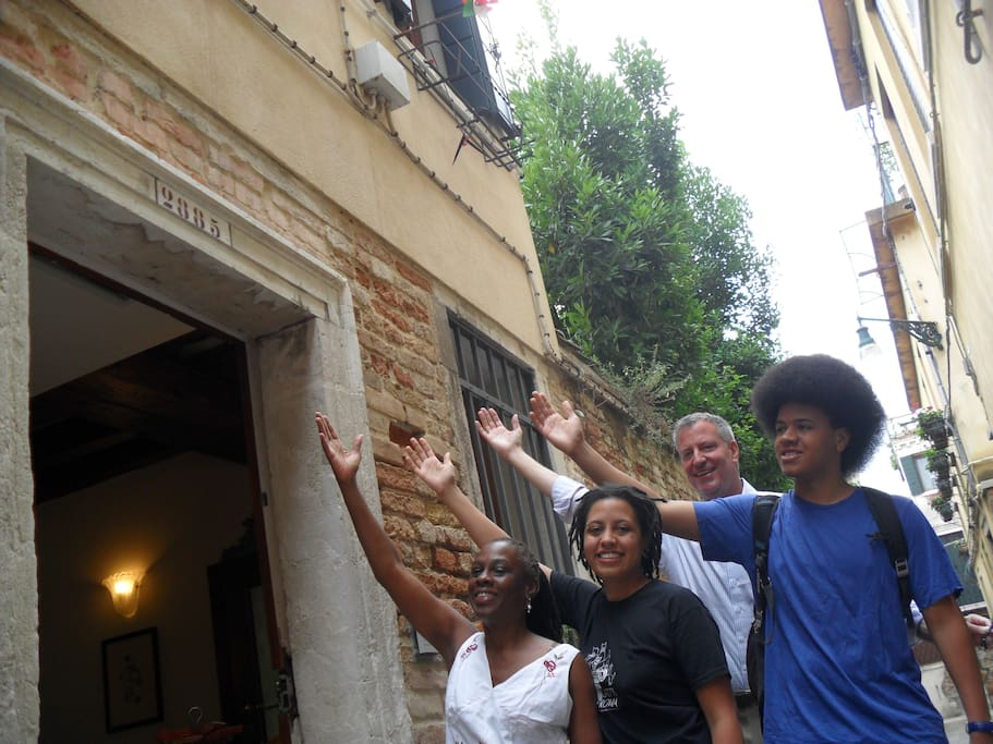 De Blasio family - lovely guests in santa margherita guesthouse venezia