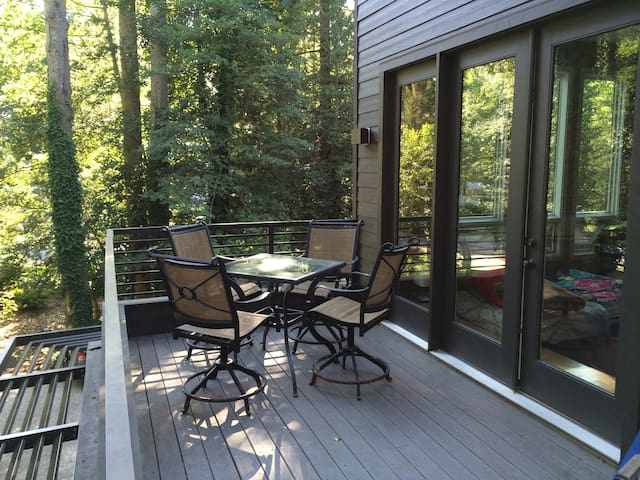 Private deck w./ eating area.