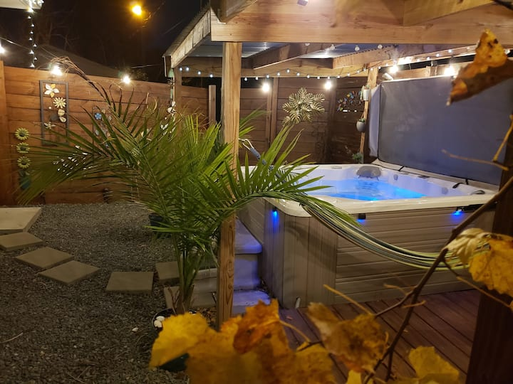 'The Great Escape - Part 2' with Private Hot Tub!