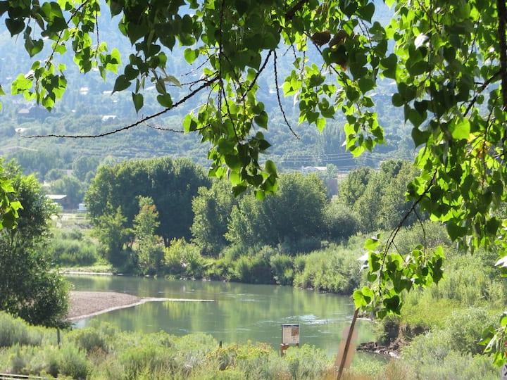 Riverhouse Colorado Charming Suite