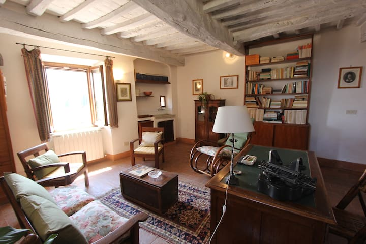 Charming ancient house with view garden - Cetona - Maison