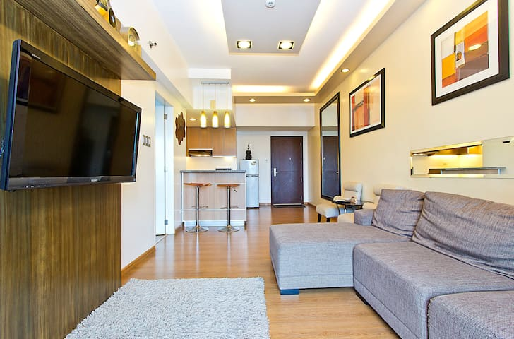 1BR w/ access to Shangri-La Mall - Mandaluyong - Apartment