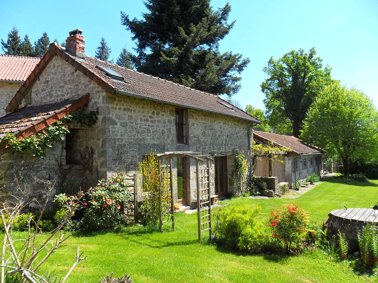 Gite, Le Chardon.  On the outskirts of Cheissoux village set in 1 acre of lovely garden with beautiful views across the Limousin countryside.