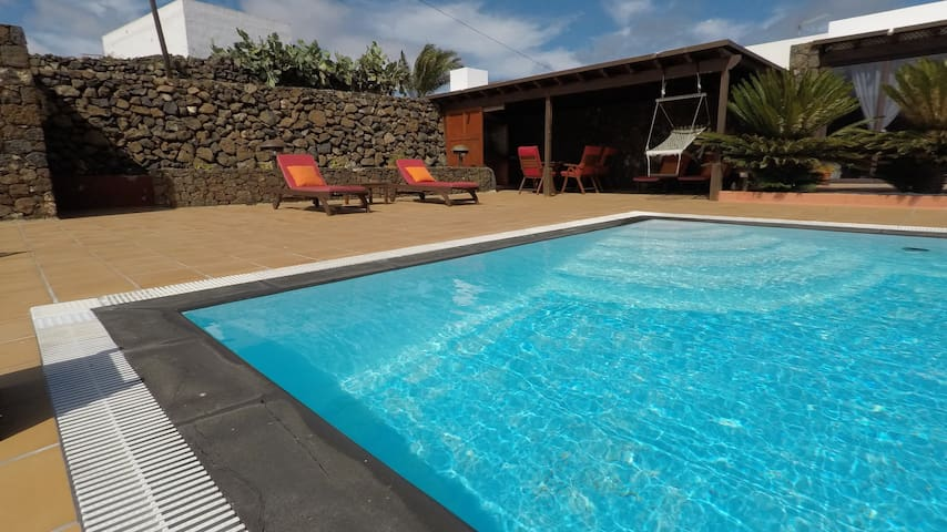 Beautiful Home Casa Inés with Pool, Terrace, Garden & Wi-Fi; Parking Available