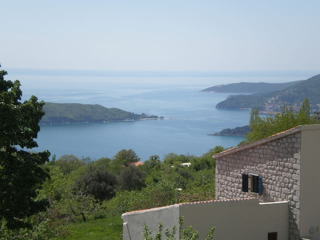 Mediterranean Haven near St. Stefan