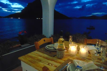 Aegean Villa- beach apartment! Ideal choice! - Mirties - Leilighet