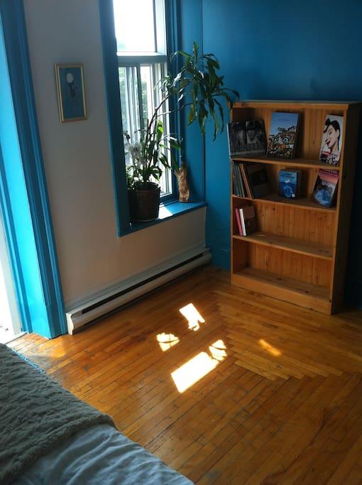 la chambre est fraîchement repeinte! Freshly painted