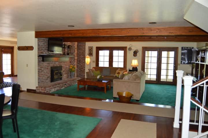 Spacious 3 bdrm 2 bth custom home - ideal location