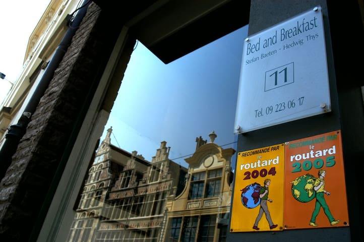 B&B centrum bij Gravensteen - Gand - Bed & Breakfast